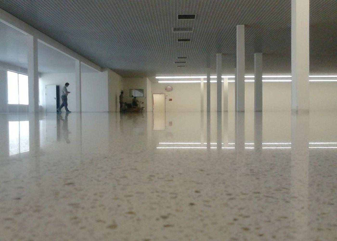 Pavimento for Oficinas lidl